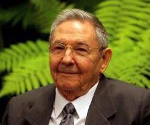 Llegó Raúl a Panamá para la VII Cumbre de las Américas