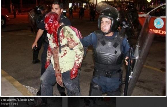 Acapulco-Mexico-manifestacion-maestros-detenidos_EDIIMA20150302_0365_13