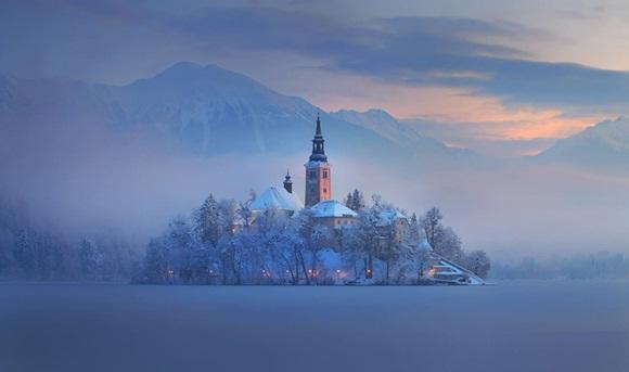 Bled es una población situada a orillas del lago Bled y ubicada en los Alpes Julianos en la zona noroccidental de Eslovenia. Foto: Noticias 24.