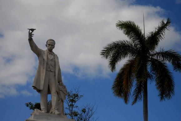 José Martí, Monumento en Cienfuegos, Foto Modesto Gutiérrez Cabo / Cubadebate