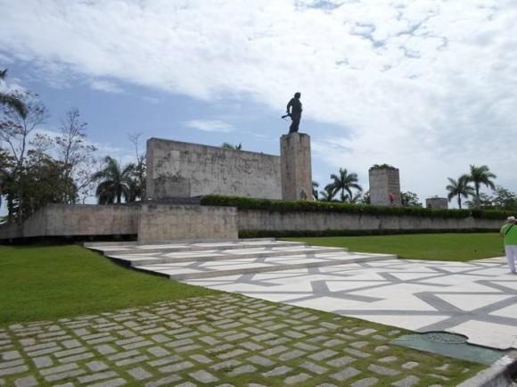 ElChe en su Plaza en Santa Clara, Villa Clara.. Foto: Isabel / Cubadebate