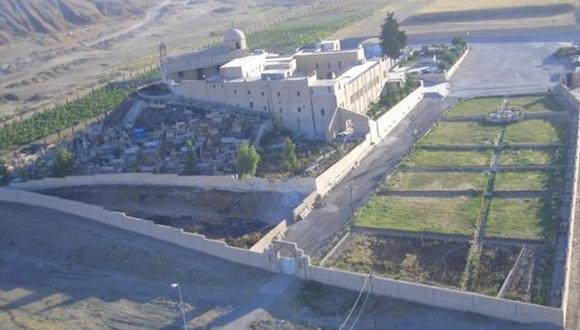 El monasterio de San Jorge (Markourkas), destruido por los yihadistas del EI, al norte de Mosul.