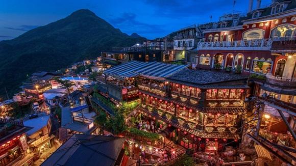 Jiufen es una pequeña localidad de montaña cerca de Keelung, en la costa norte de Taiwán, y pertenece al distrito de la Ciudad de Nuevo Taipéi.
