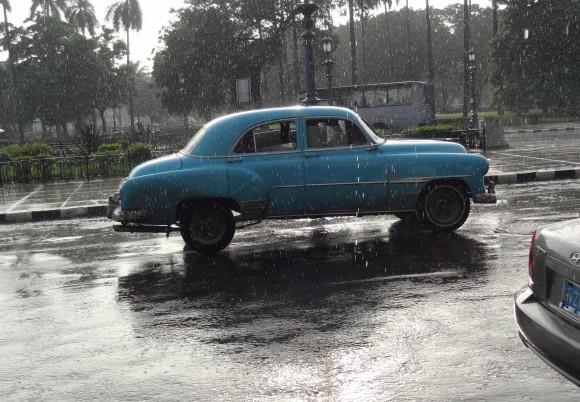 Llueve otra vez en La Habana...Foto: Ingrid Schiefegger desde México