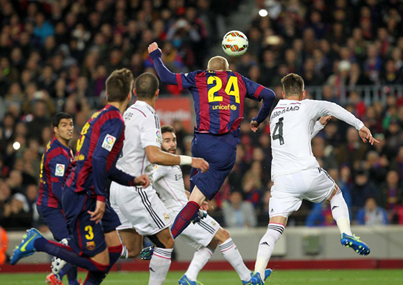 El tremendo gol de Mathieu luego de un centro de Messi. Foto: AS