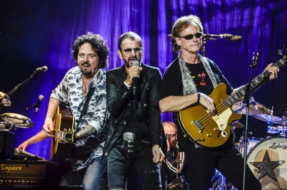 Warren Ham (de Bloodrock y AD), Ringo Starr y Gregg Bissonette (de David Lee Roth). Foto: Kaloian.