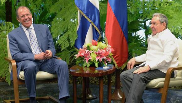 Serguei-Lavrov-y-Raúl-Castro1