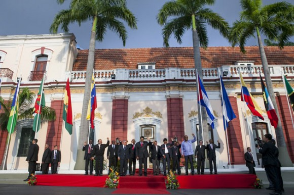 """Este martes, la Alianza Bolivariana para los Pueblos de Nuestra América (Alba) reiteró su respaldo a Venezuela ante las recientes sanciones de EE UU contra el gobierno de Nicolás Maduro y la declaratoria de Barack Obama que señala a la nación sudamericana como una """"amenaza"""" para su seguridad nacional. Foto: EFE"""