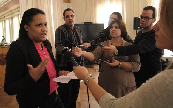 Anayansi Rodriguez Camejo,  Emabajadora de Cuba ante Naciones Unidas en Ginebra, ofrece declaraciones la Prensa en la Mision cubana en Washington. Foto: Ismael Francisco/Cubadebate.
