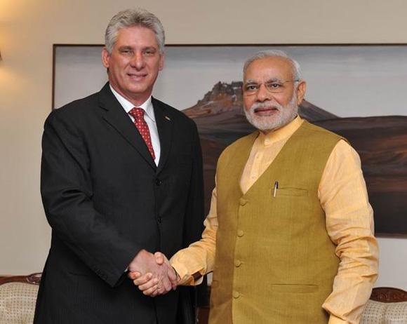 El primer ministro de la India, Narendra Modi, y el primer vicepresidente cubano, Miguel Díaz-Canel.