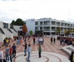 Estudiantes en el campus de la Universidad de Warwick, en el centro de Inglaterra.