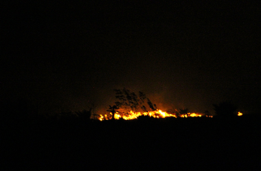 Sofocado peligroso incendio en localidad holguinera de La Yaba. Foto: Ahora