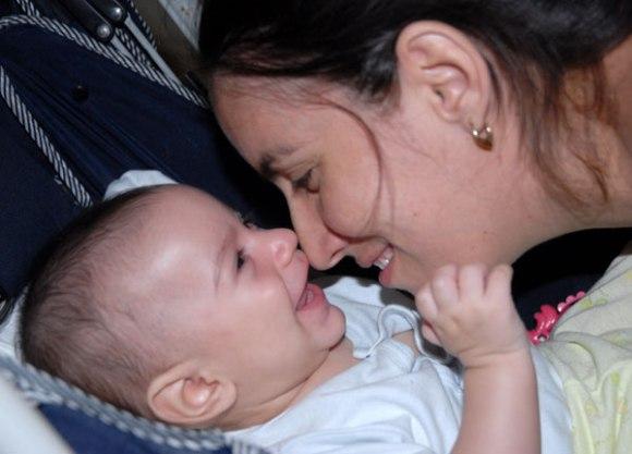 Experto de OPS elogia resultados de Cuba en salud materno-infantil