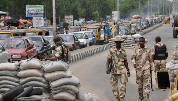 La ciudad nigeriana de Maiduguri (noreste), antiguo bastión de Boko Haram, se vio sacudida por tres explosiones atribuidas a este grupo islamista armado que dejaron al menos 58 muertos y 139 heridos.