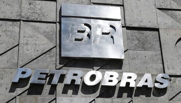 El esquema de corrupción en Petrobras movilizó entre lavado de dinero y sobrefacturación unos 10 mil millones de reales (tres mil 850 millones de dólares). | Foto: Reuters