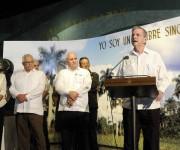 """Ismael Clark Arxer, Presidente de la Academia de Ciencias de Cuba, interviene durante la entrega de los Premios de Innovación Tecnológica y Premios Especiales del ministerio de Ciencia, Tecnología y Medio Ambiente (CITMA), en ceremonia realizada en el Memorial """"José Martí"""", en  La Habana, el 20 de marzo de 2015.  AIN FOTO/Roberto  MOREJÓN RODRÍGUEZ"""