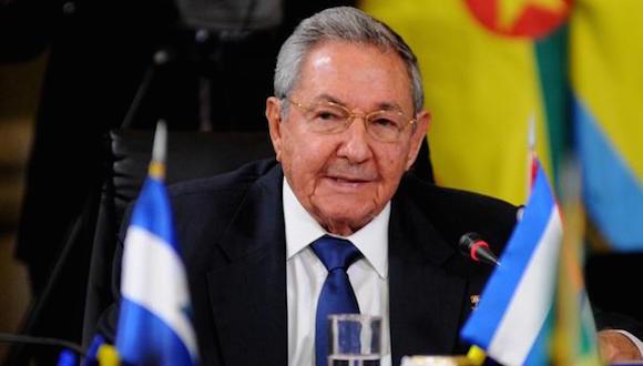 Intervención del General de Ejército Raúl Castro Ruz, Presidente de los Consejos de Estado y de Ministros de Cuba, durante la Cumbre Extraordinaria de la Alternativa Bolivariana para los Pueblos de Nuestra América, convocada en solidaridad con el hermano pueblo de Venezuela, en el Palacio de Miraflores, en Caracas, el 17 de marzo de 2015.  AIN   FOTO/Omara GARCÍA MEDEROS