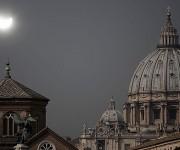 Así pudo verse desde el Vaticano. Foto: Reuters