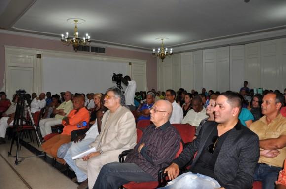 A la ceremonia asistieron músicos, artistas de la plástica, estudiantes, familiares y amigos