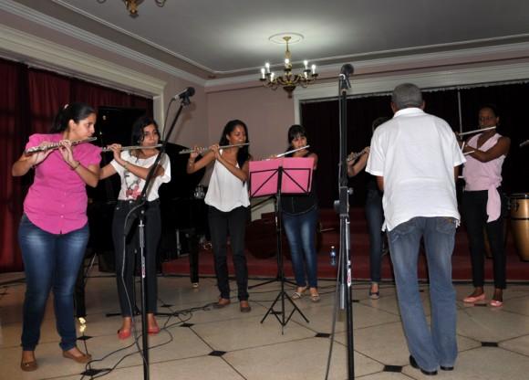 El agasajo contó con la música de la Camerata Cortés