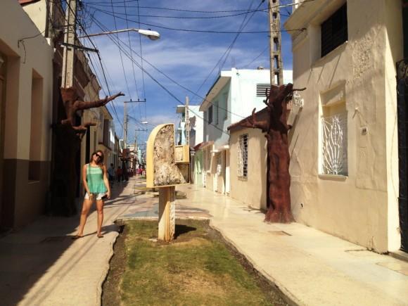 Joven en Bayamo. Foto: Diana Acuña Riancho / Cubadebate