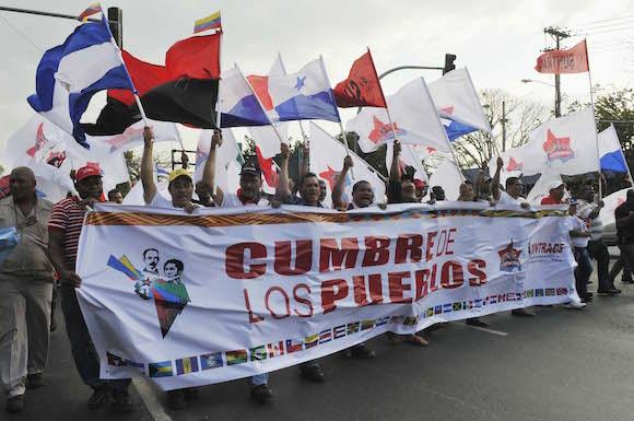Marcha de los pueblos. Foto: Juvenal Balán/ Cubadebate