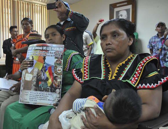 Cumbre de los pueblos en la Universidad de Panamá. Foto: Juvenal Balán/ Granma