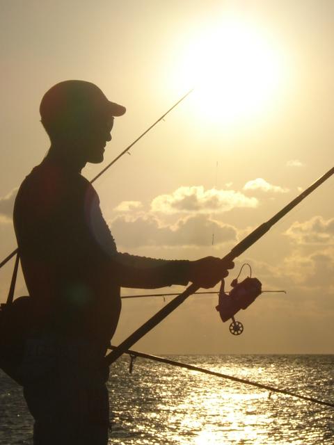 Pescador. Foto: José A. Coto  / Cubadebate