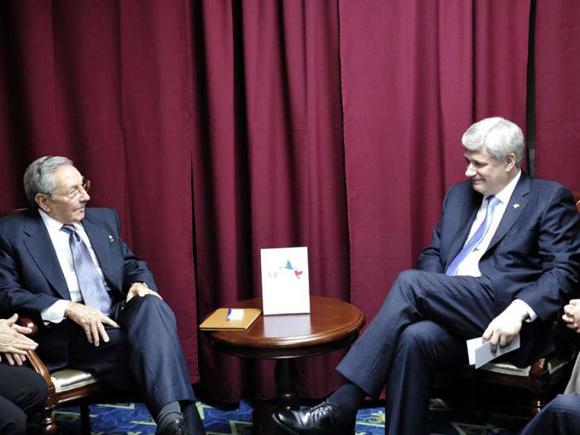 En el encuentro con el Primer Ministro de Canadá, Stephen Harper. Foto: Estudio Revolución