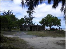 Restos de un bunker japonés en Betio.