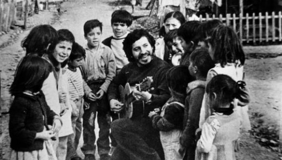 El militar en retiro Pedro Barrientos fue declarado culpable del asesinato de Víctor Jara (en la imagen).