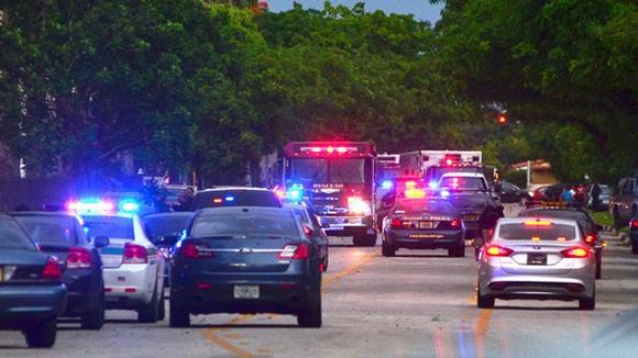La familia de un jóven afroamericano con esquizofrenía que fue abatido a tiros por policías ha publicado una parte del video que recoge los instantes que precedieron al asesinato.