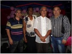 La brigada médica cubana en Kiribati, de izquierda a derecha, Arnaldo Leiva, Caridad Luis y Miguel Peña con el Presidente del país Anote Tong.