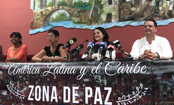 Conferencia de prensa de la delegación cubana que asiste a los Foros paralelos de la Cumbre de las Américas, en Panamá. Foto: Ismael Francisco/ Cubadebate