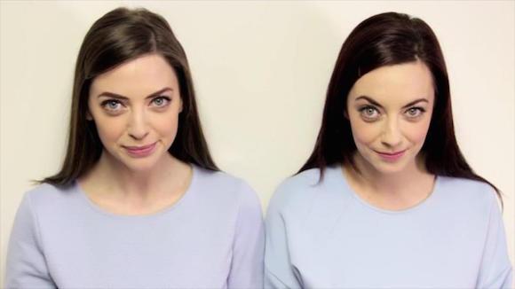 Niamh Geaney, presentadora televisiva de 26 años, ella encontró a su gemela perdida Karen Branigan, de 29 años, quien vive en Irlanda, a una hora de su vivienda.