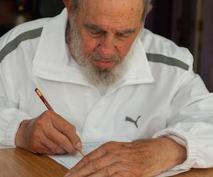 Fidel ejerce su voto en las elecciones del 19 de abril de 2015. Foto: Alex Castro/ Archivo