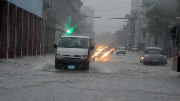 Precipitaciones asociadas a Philippe castigaron centro de Cuba durante fin de semana