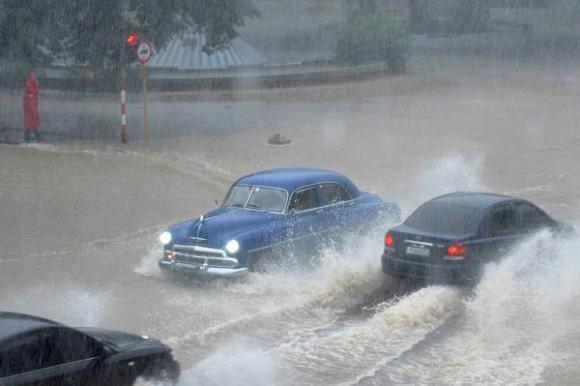 Reportan fallecidos y daños materiales en La Habana por fuertes lluvias (+Fotos)