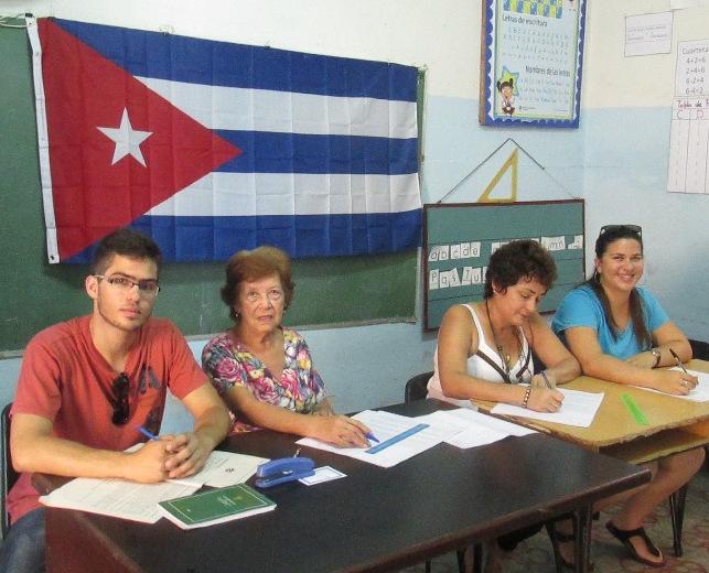 Siete veces al frente de un colegio electoral en cuba for Presidente mesa electoral