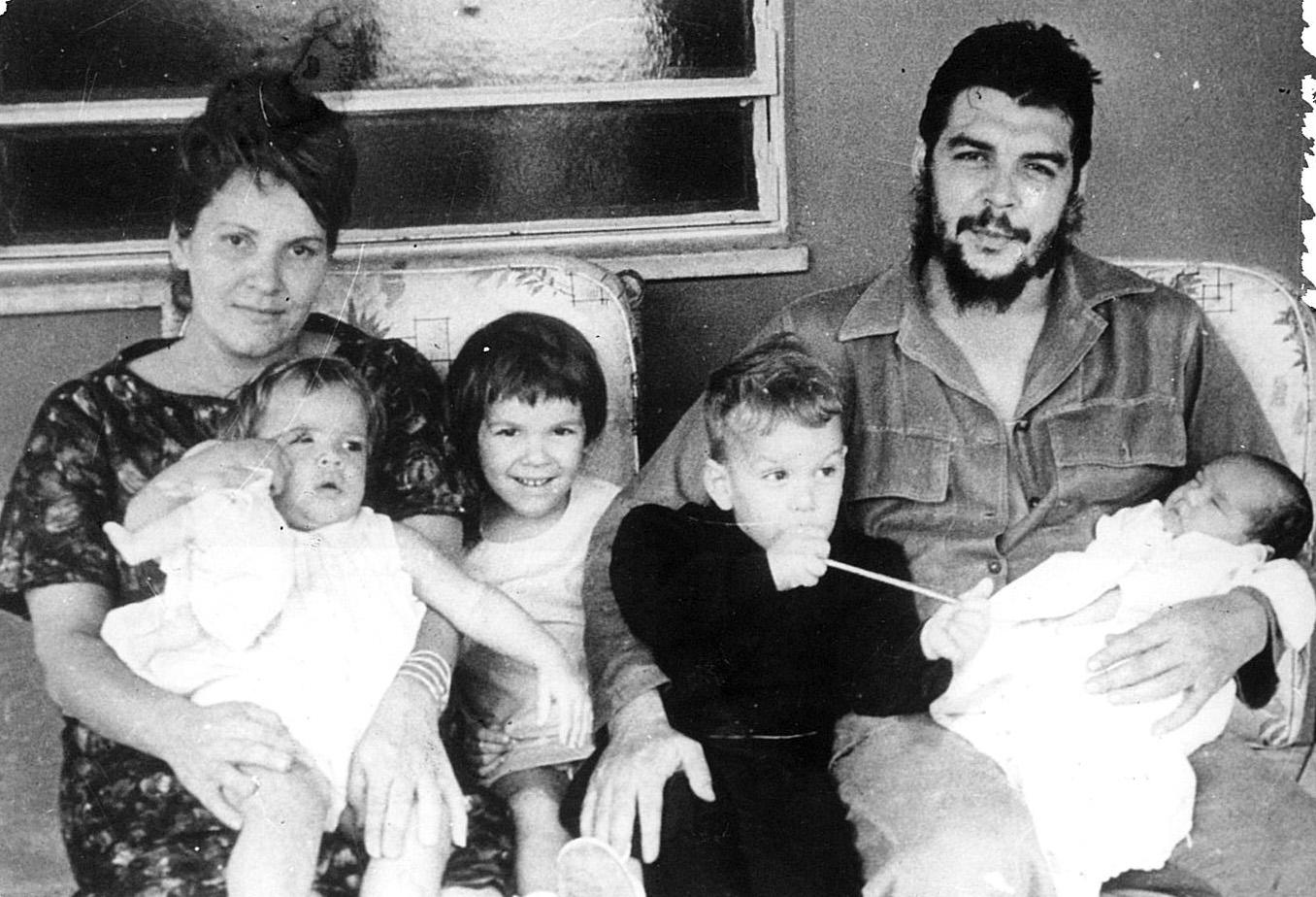 Destaca Evo Morales valores que el Che inculcó a sus hijos