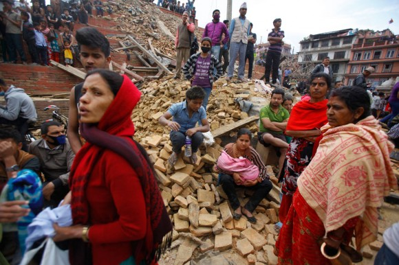 Nepalíes enfrentan serias necesidades tras devastador terremoto, alerta la ONU