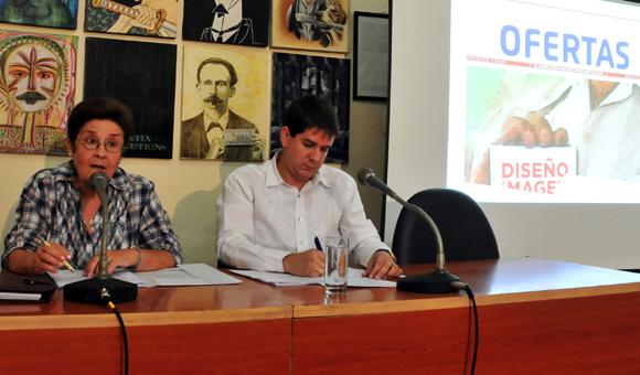 Edda Diz y Jorge Legañoa presentan Ofertas. Foto: Cubadebate.
