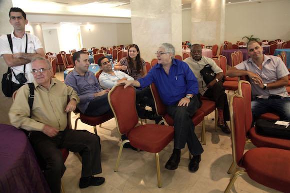 Parte de la delegacion cubana a la espera de su acreditacion. Foto: Ismael Francisco/Cubadebate