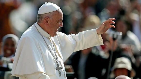 Papa Francisco destaca figura de Oscar Arnulfo Romero en el Rezo del Angelus