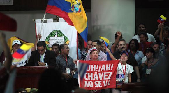 Inauguración de la Cumbre de los Pueblos en el Paraninfo de la Universidad de Panamá. Foto: Ismael Francisco/ Cubadebate