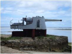 Restos de un cañón japonés en Betio.