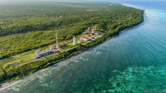 Faro de Roncali, construido en 1850 en el Cabo de San Antonio, extremo occidental de Cuba. Foto: Marius Jovaiša.