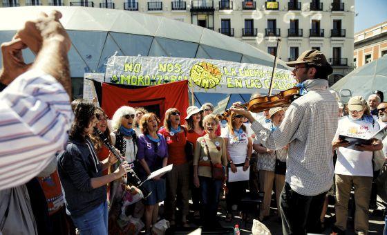 Asamblea en la Puerta del Sol celebrando los 4 años del 15M(DVD 726) / CLAUDIO ALVAREZ