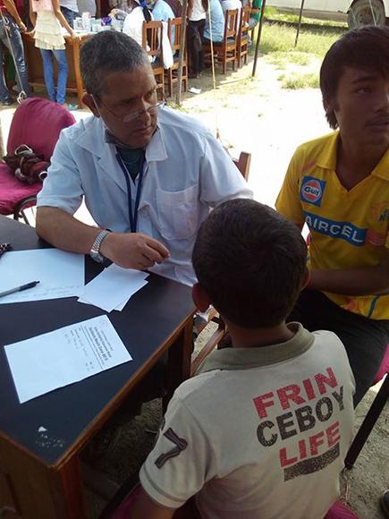Campamento de solidaridad en Nepal11