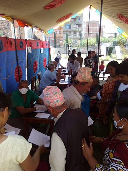 Campamento de solidaridad en Nepal9